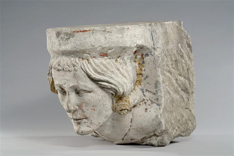Pour un musée de la basilique et des tombeaux royaux - Page 2 13-551326