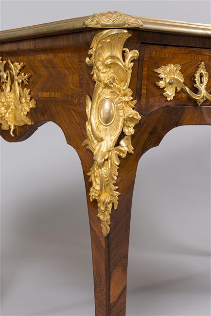 Le 18e aux sources du design, chefs d'oeuvre du mobilier - Page 2 14-547938