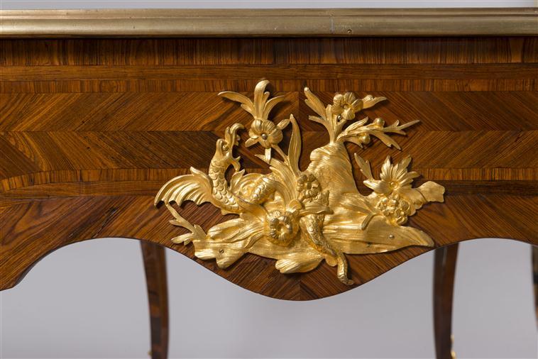 Le 18e aux sources du design, chefs d'oeuvre du mobilier - Page 2 14-547942