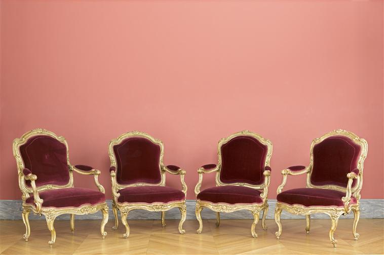 Le 18e aux sources du design, chefs d'oeuvre du mobilier 11-535630