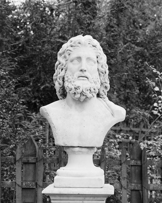 Asclépios ou Esculape, dieu de la médécine à Versailles 78-006584
