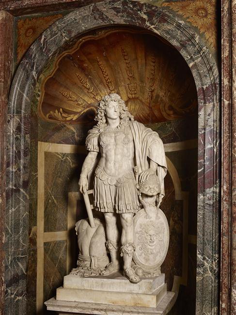 """Résultat de recherche d'images pour """"statue louis XIV armure"""""""