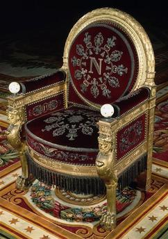Throne in Majesty
