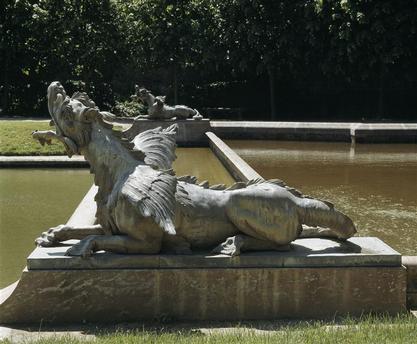 Le dragon-serpent, monstre mythologique  98-012481