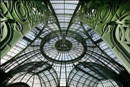 The Grand Palais, between architecture and light...